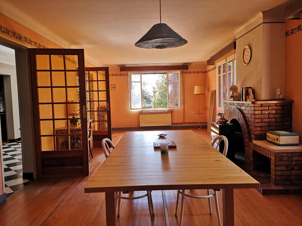 Maison à vendre 5 189m2 à Remoulins vignette-2