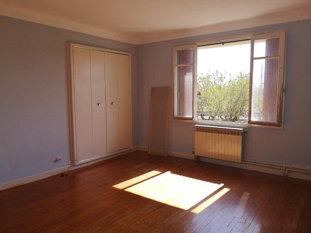 Maison à vendre 5 189m2 à Remoulins vignette-9