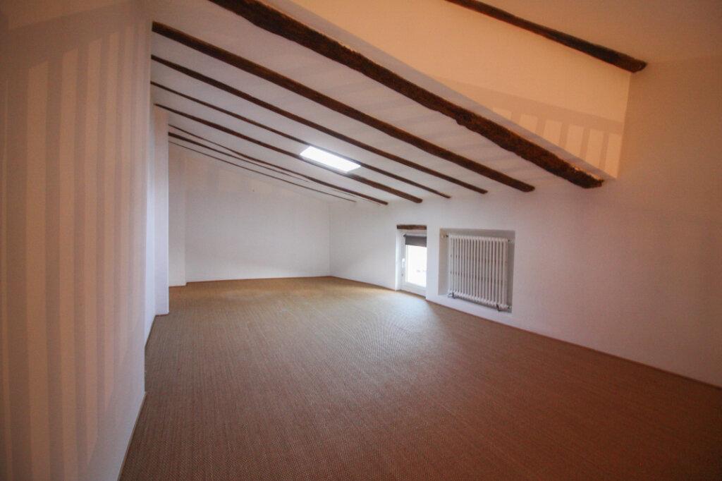 Appartement à vendre 4 139m2 à Saint-Geniès-de-Malgoirès vignette-7
