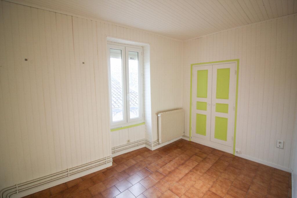 Appartement à vendre 4 139m2 à Saint-Geniès-de-Malgoirès vignette-9