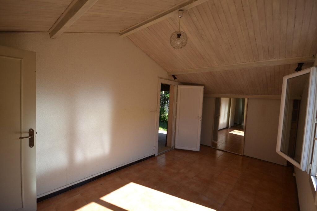 Maison à vendre 6 110m2 à Remoulins vignette-10