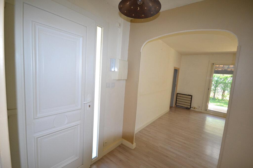Maison à vendre 6 110m2 à Remoulins vignette-12