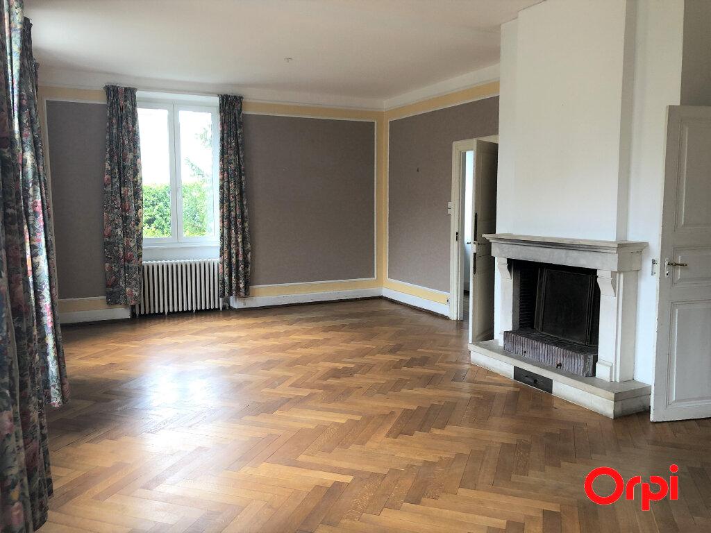 Appartement à louer 5 133.3m2 à Thann vignette-3