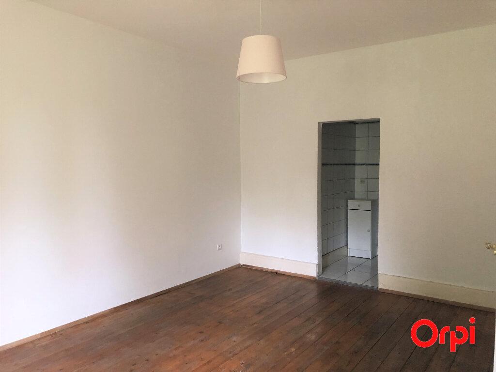 Appartement à louer 5 133.3m2 à Thann vignette-6