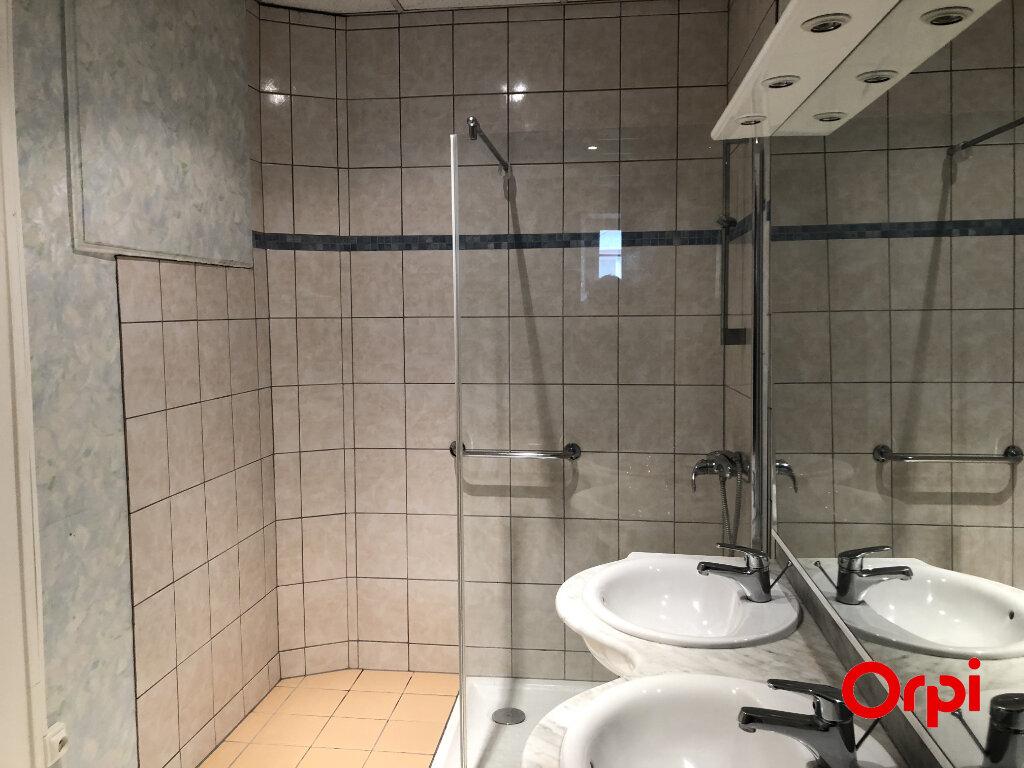 Appartement à louer 5 133.3m2 à Thann vignette-7