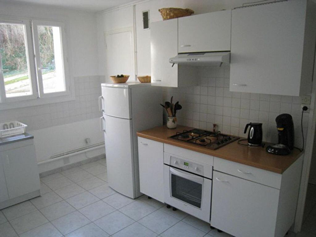 Appartement à louer 4 64.5m2 à Brest vignette-2