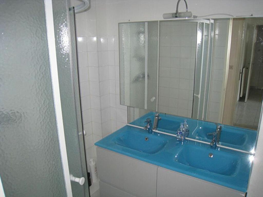 Appartement à louer 4 64.5m2 à Brest vignette-3
