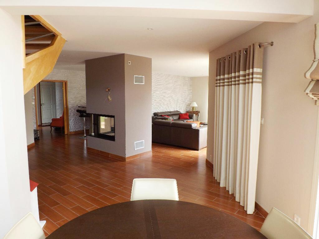Maison à vendre 6 203.85m2 à Ploudalmézeau vignette-1