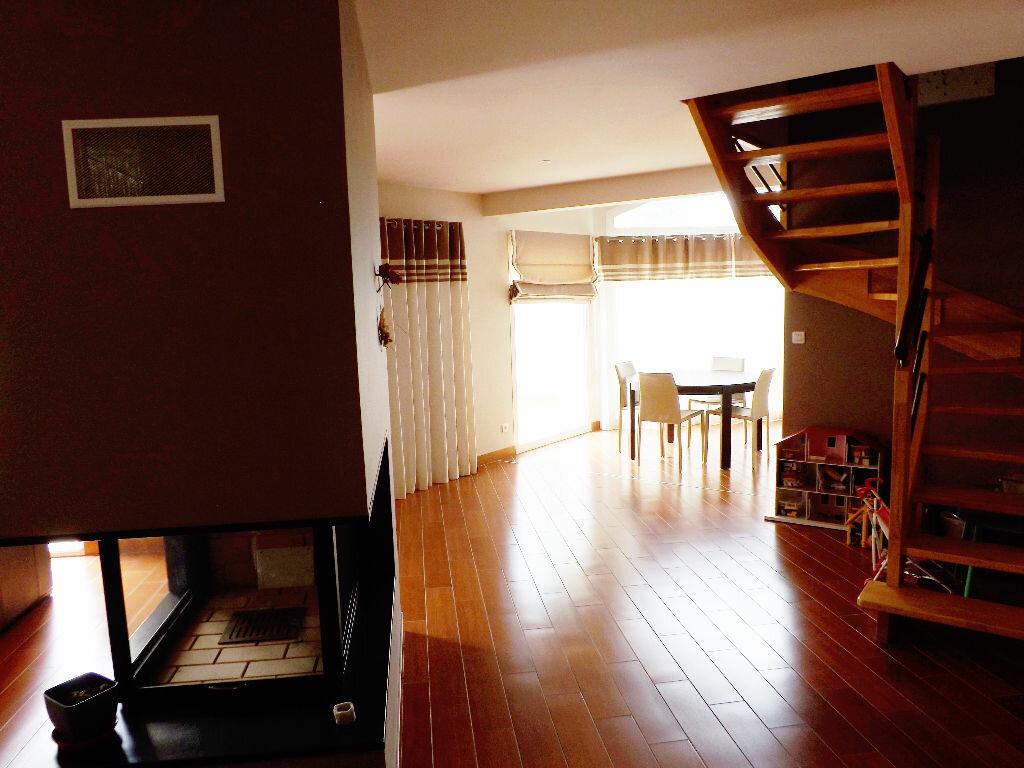 Maison à vendre 6 203.85m2 à Ploudalmézeau vignette-5