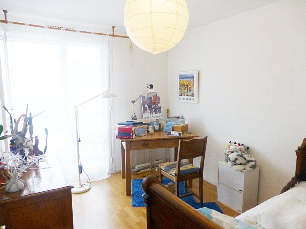 Appartement à vendre 5 81m2 à Brest vignette-5