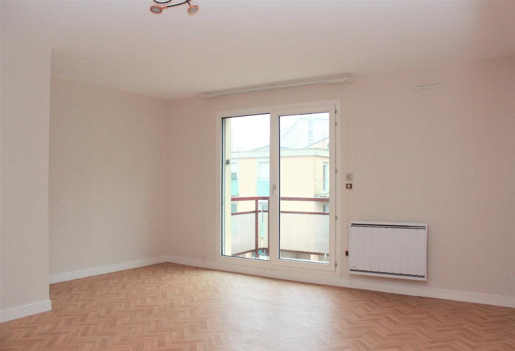 Appartement à vendre 3 61m2 à Brest vignette-1
