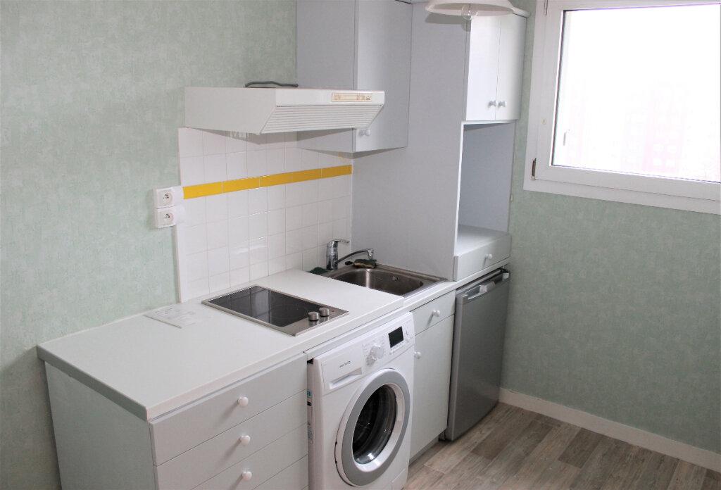 Appartement à vendre 3 61m2 à Brest vignette-2