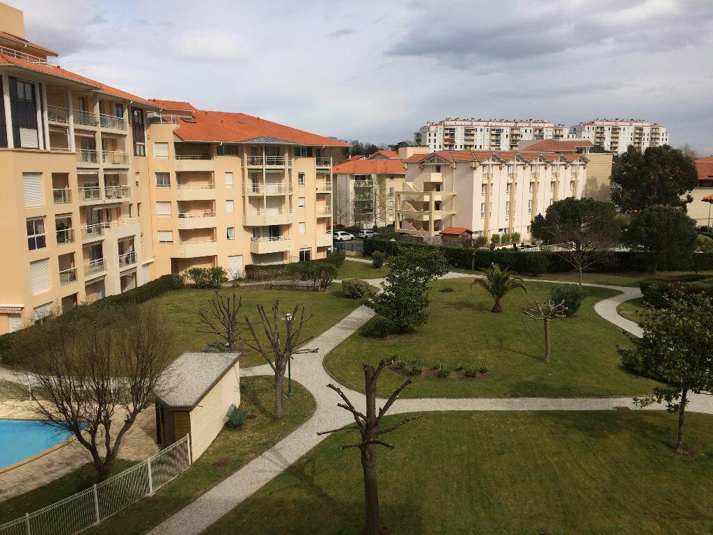 Appartement à louer 1 25m2 à Biarritz vignette-5