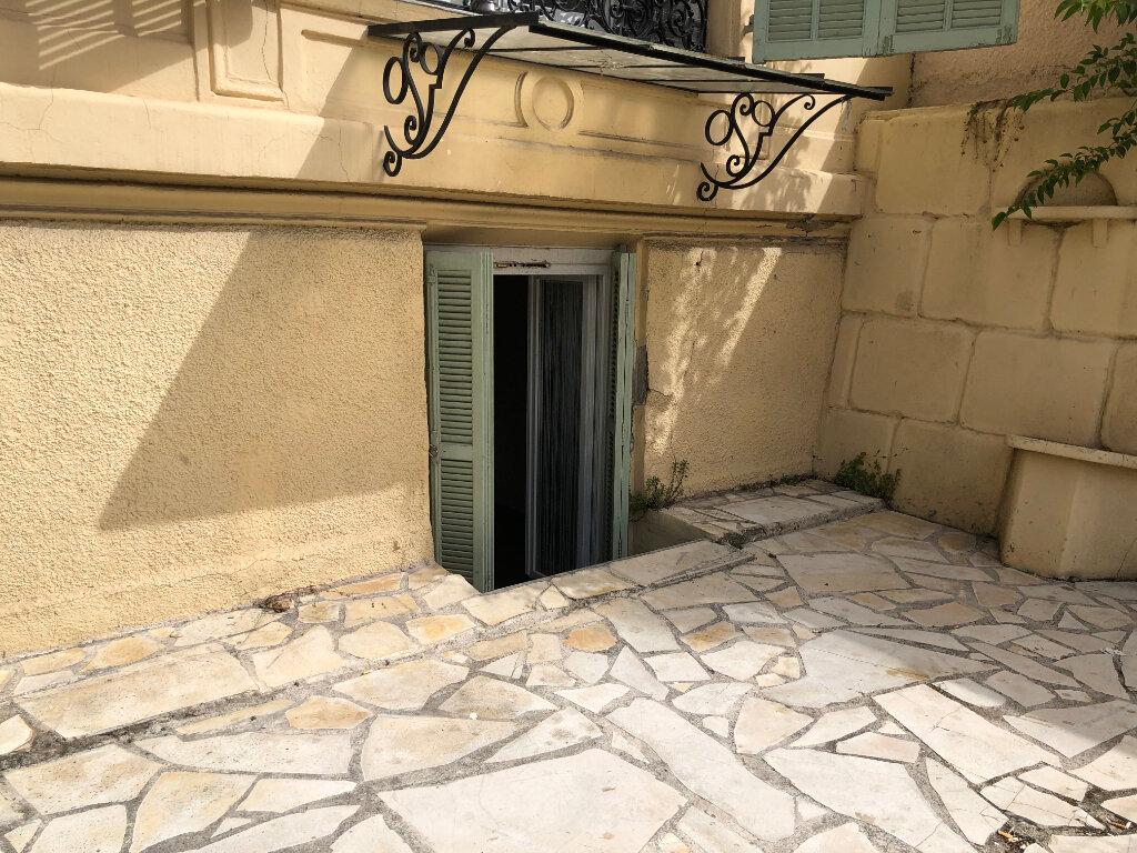 Appartement à louer 1 17.5m2 à Nice vignette-2