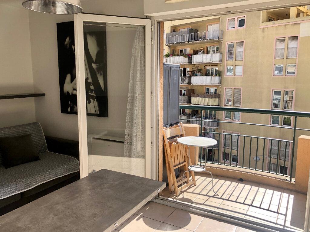 Appartement à louer 1 20m2 à Nice vignette-7