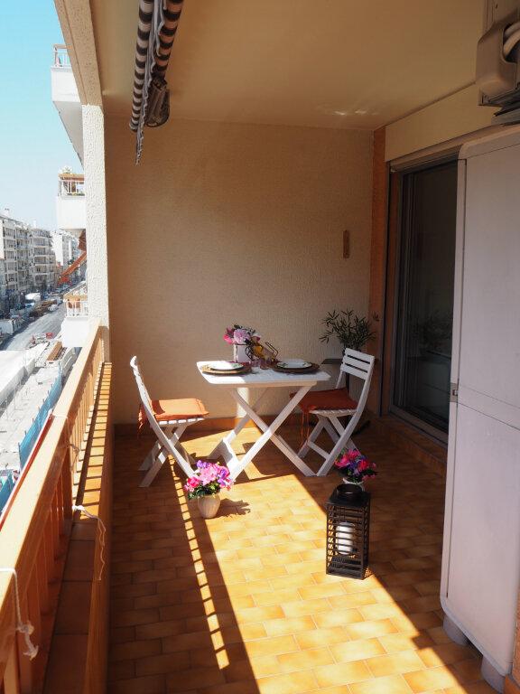 Appartement à louer 2 53m2 à Nice vignette-6