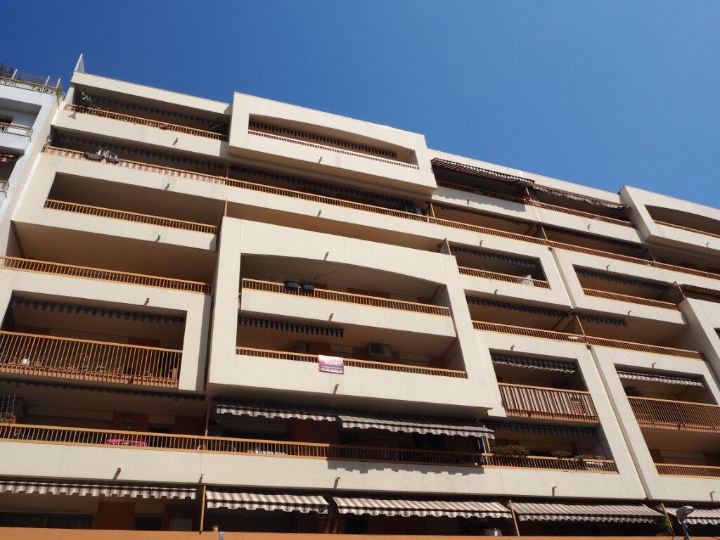 Appartement à louer 2 53m2 à Nice vignette-7
