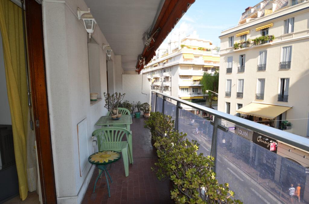 Appartement à vendre 2 46.95m2 à Nice vignette-1