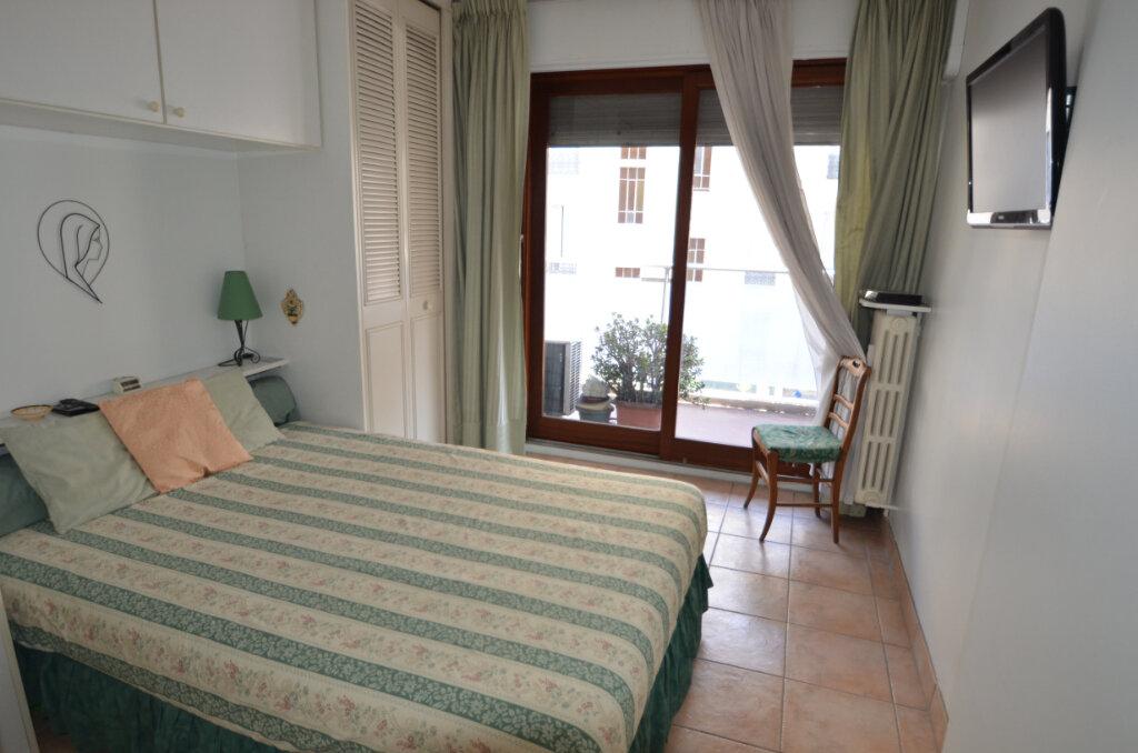 Appartement à vendre 2 46.95m2 à Nice vignette-3