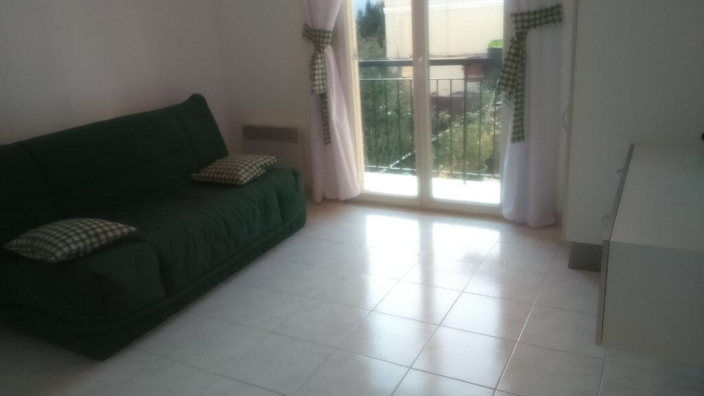 Appartement à louer 2 27m2 à Nice vignette-6