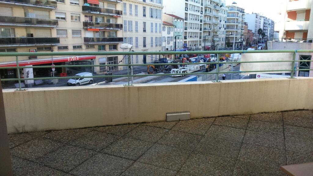 Appartement à louer 2 39.25m2 à Nice vignette-1