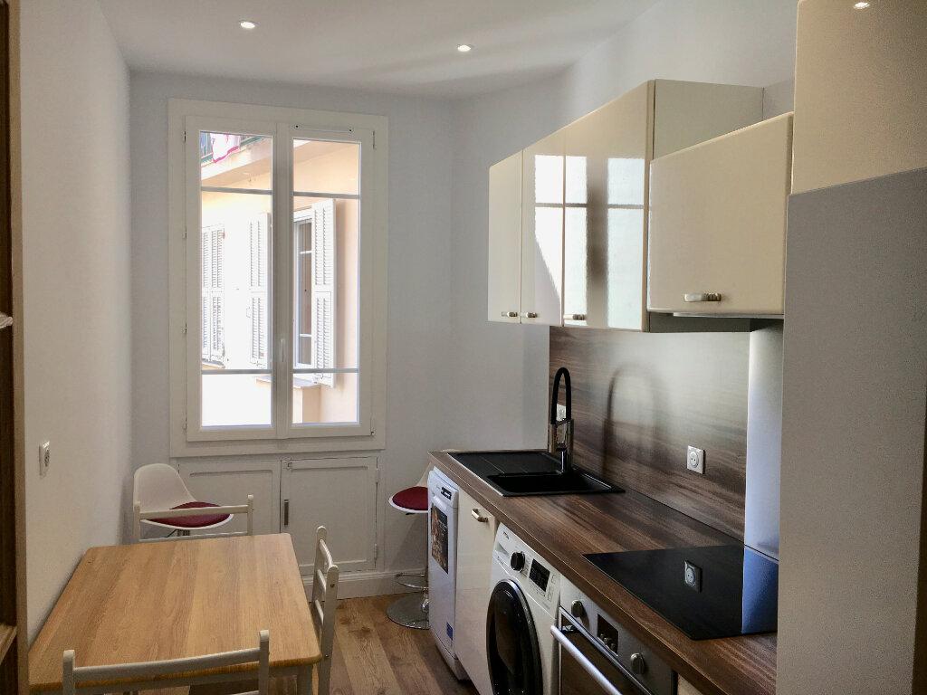 Appartement à vendre 3 60m2 à Nice vignette-3