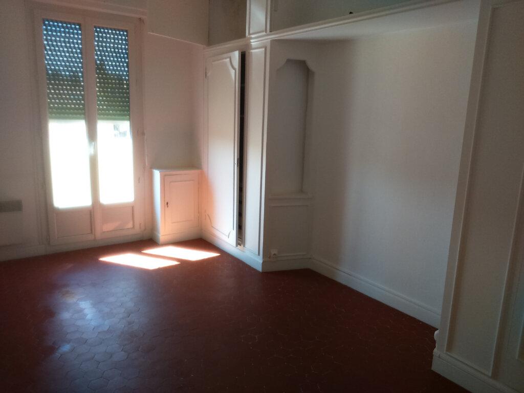 Appartement à louer 3 65.33m2 à Nice vignette-1