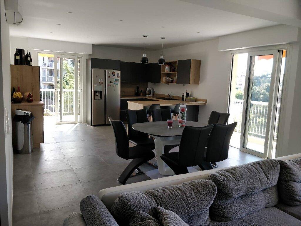 Appartement à vendre 4 106.22m2 à Nice vignette-2