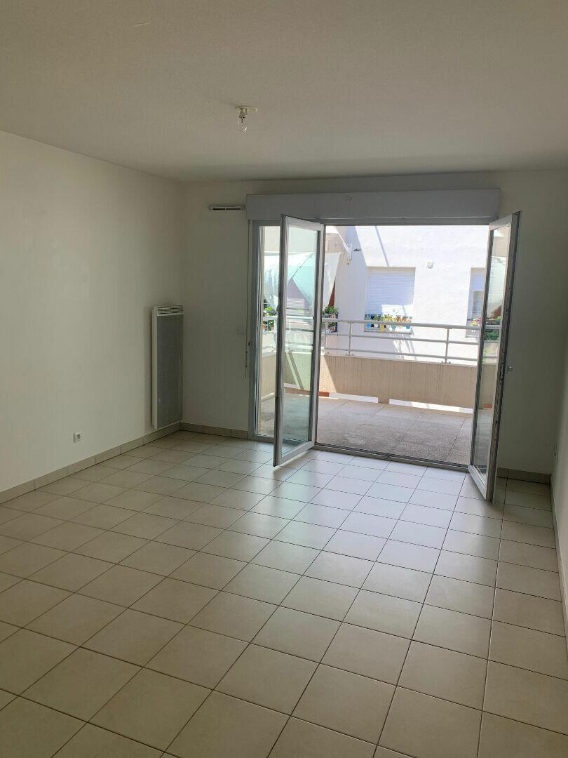 Appartement à louer 2 43.32m2 à Nice vignette-3