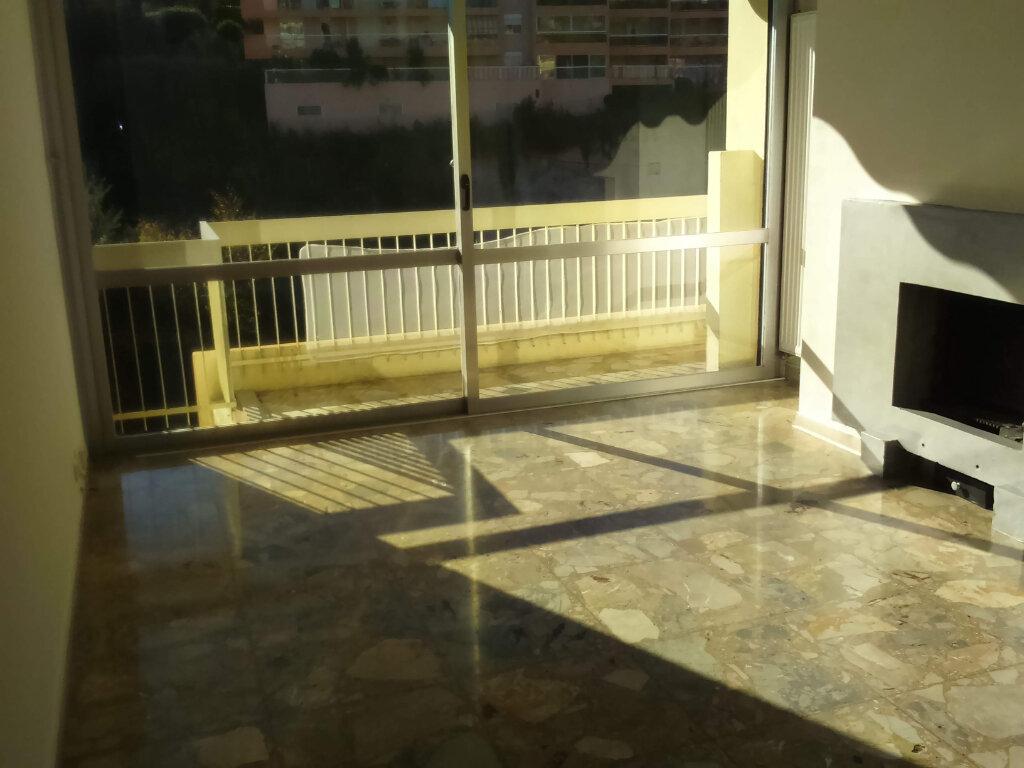 Appartement à louer 2 46.58m2 à Nice vignette-2