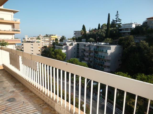 Appartement à louer 2 46.58m2 à Nice vignette-4
