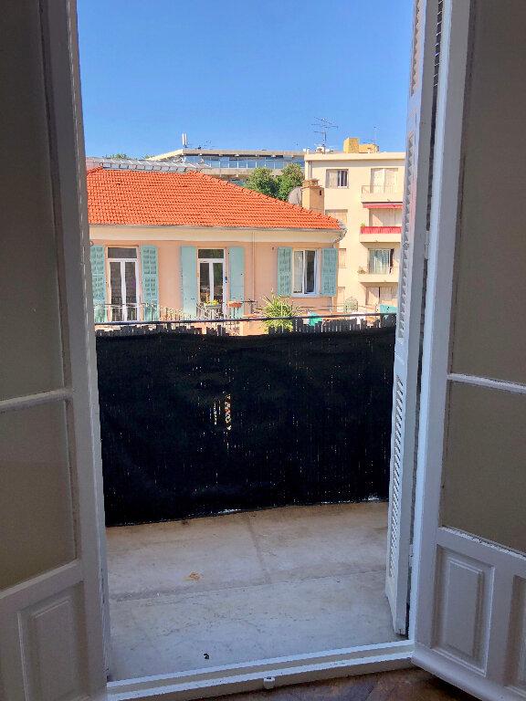 Appartement à louer 2 44.08m2 à Nice vignette-3