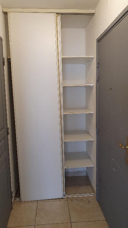 Appartement à louer 1 24.5m2 à Nice vignette-2