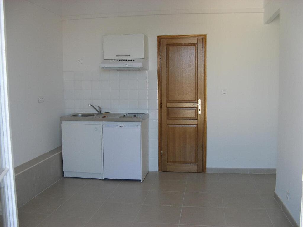 Appartement à louer 2 23m2 à Nice vignette-1