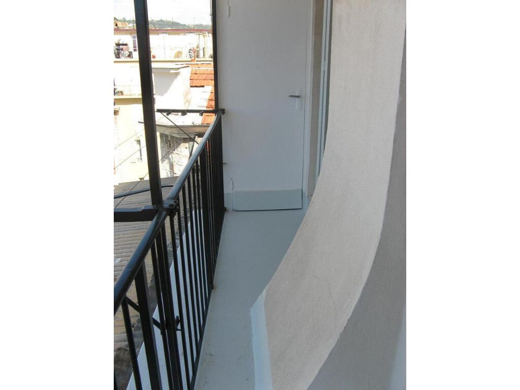 Appartement à louer 2 23m2 à Nice vignette-3