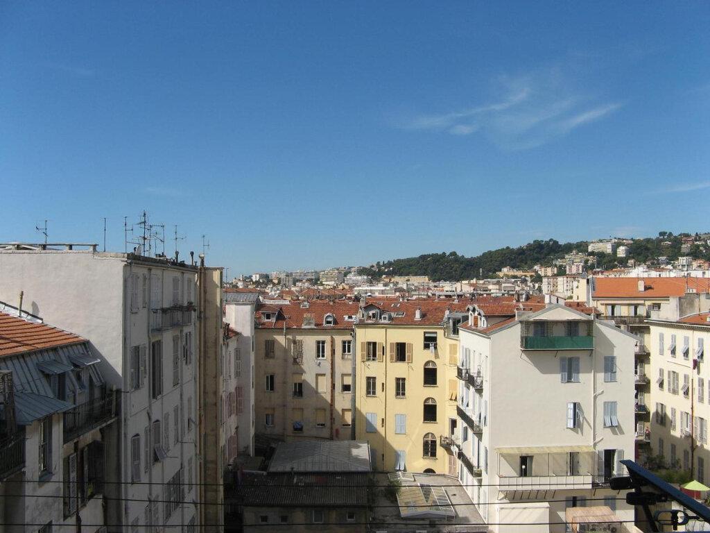 Appartement à louer 2 23m2 à Nice vignette-4