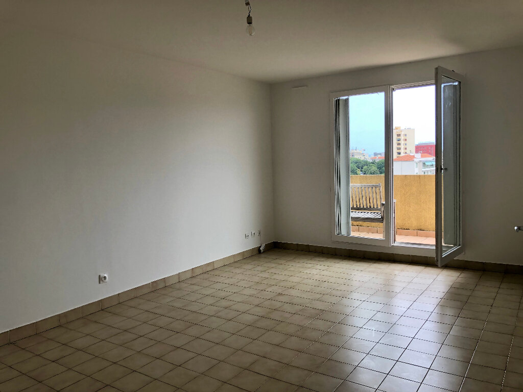 Appartement à louer 2 46.83m2 à Nice vignette-1