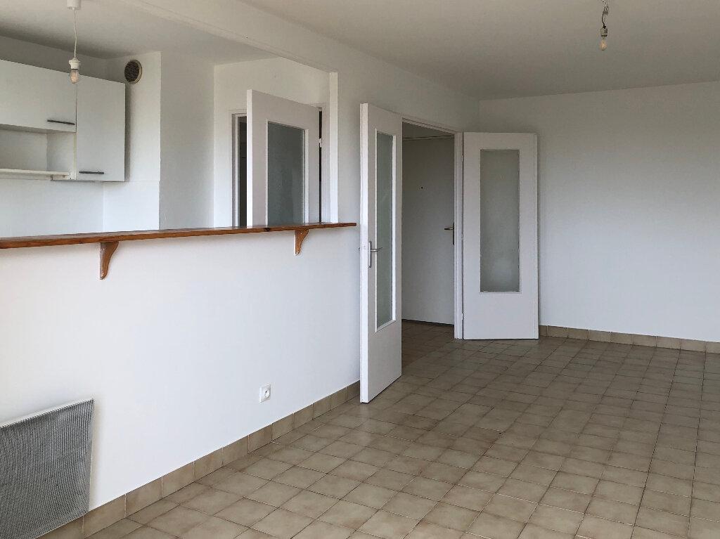 Appartement à louer 2 46.83m2 à Nice vignette-2