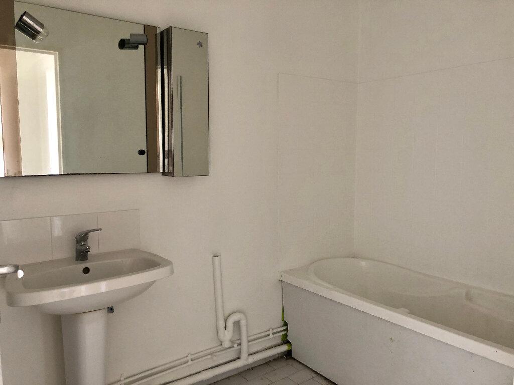 Appartement à louer 2 46.83m2 à Nice vignette-5