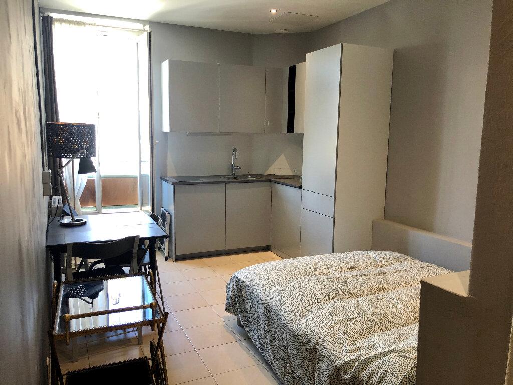Appartement à louer 1 18.49m2 à Nice vignette-2