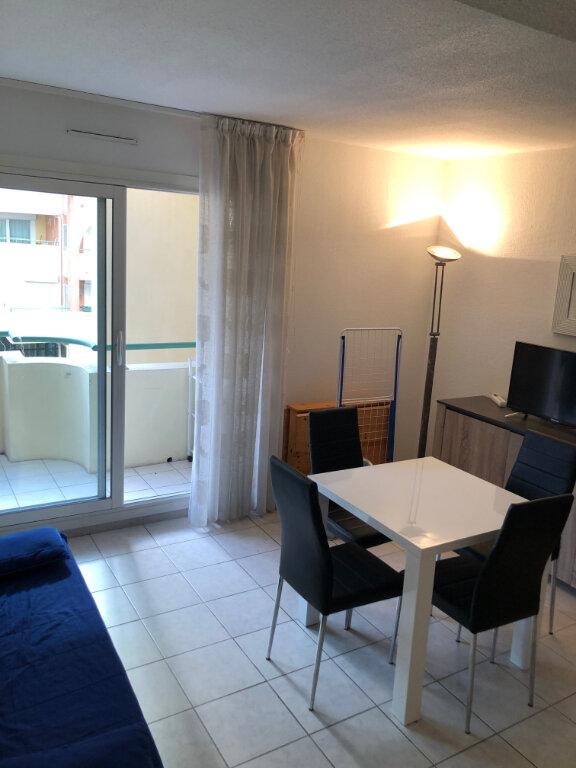 Appartement à louer 2 33m2 à Nice vignette-1