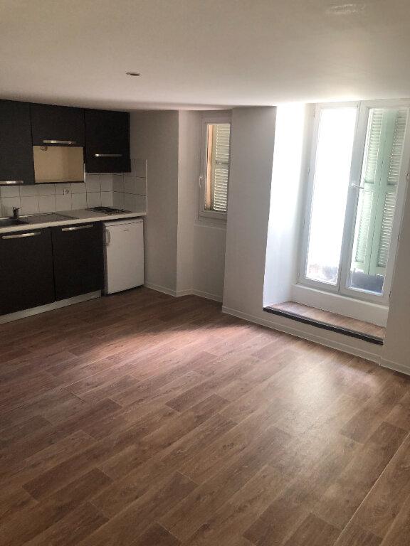 Appartement à louer 1 24m2 à Nice vignette-1