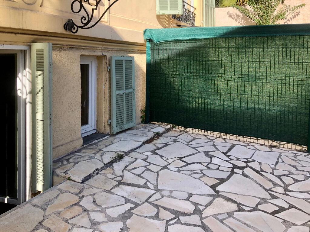 Appartement à louer 1 24m2 à Nice vignette-7
