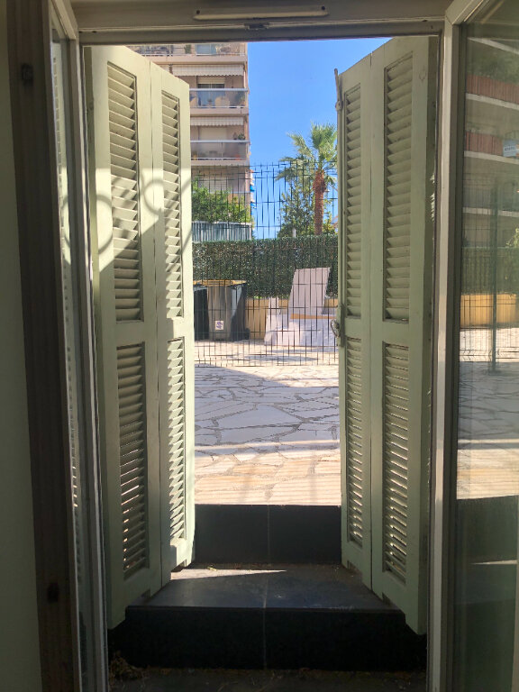 Appartement à louer 1 24m2 à Nice vignette-8