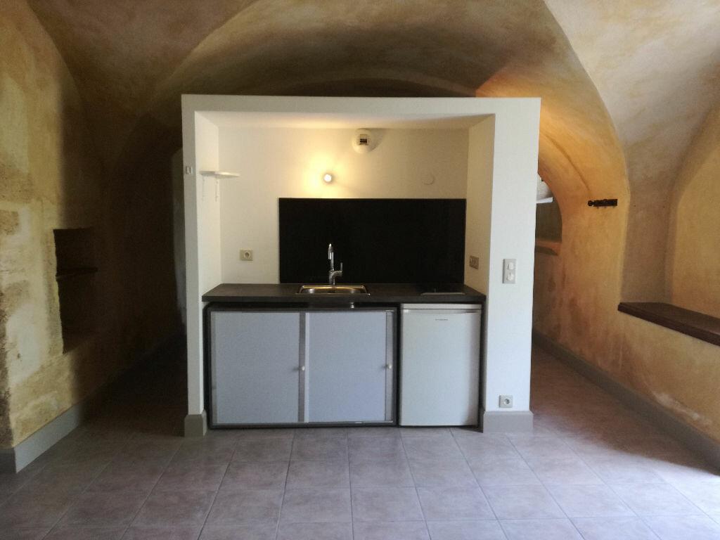 Appartement à louer 1 46m2 à Remoulins vignette-1