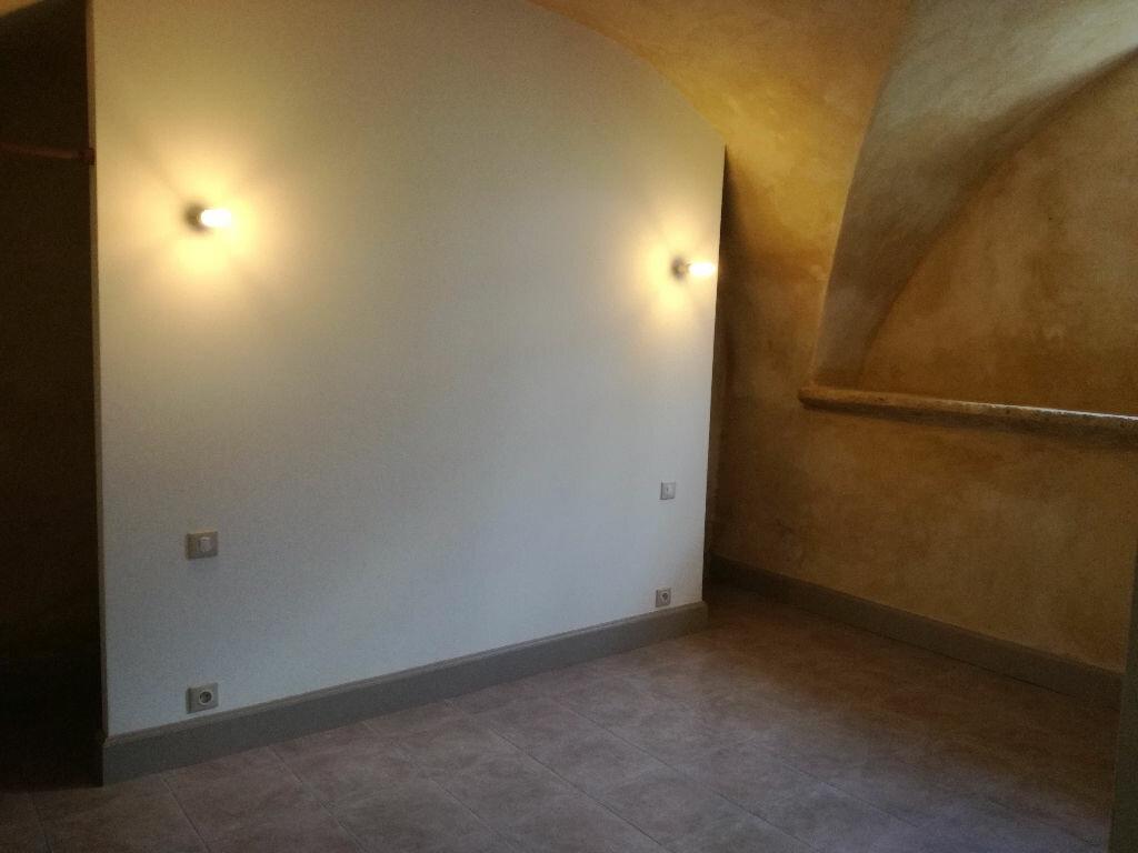 Appartement à louer 1 46m2 à Remoulins vignette-2