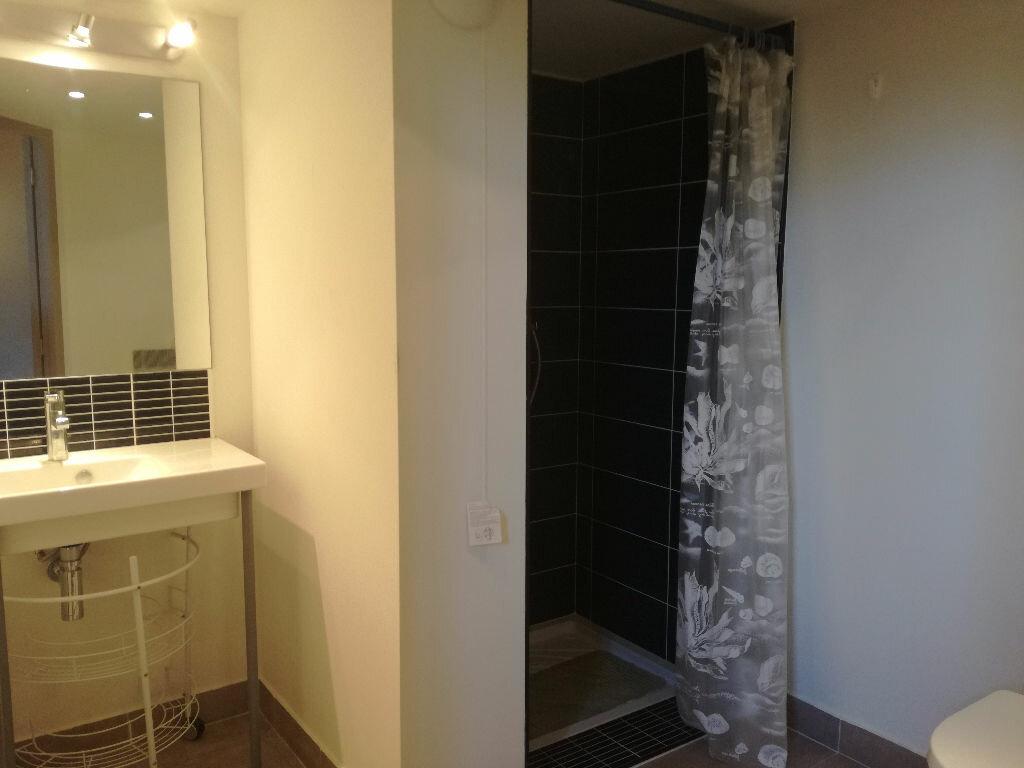 Appartement à louer 1 46m2 à Remoulins vignette-4