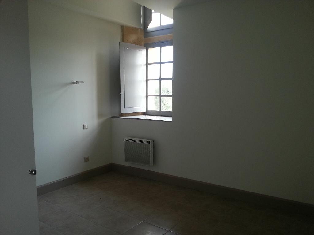 Appartement à louer 3 63m2 à Remoulins vignette-5