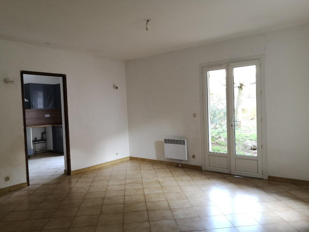 Appartement à louer 2 55m2 à Rochefort-du-Gard vignette-3