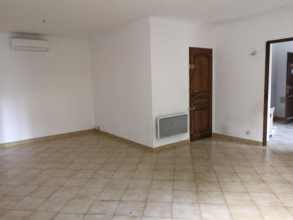 Appartement à louer 2 55m2 à Rochefort-du-Gard vignette-4